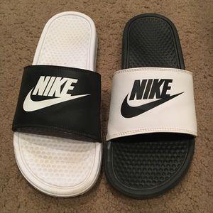 Nike Men's Benassi Mismatch Slides
